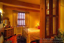 Dormitorios de estilo rústico por Andrew Dixon Photography