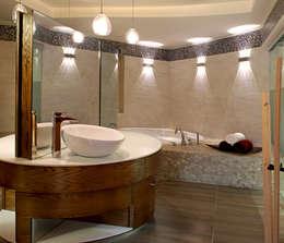 Baños de estilo moderno por DIN Interiorismo
