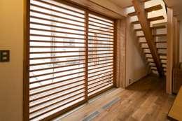 Ventanas de estilo  por 清建築設計室/SEI ARCHITECT
