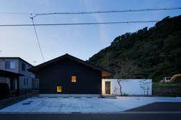 Projekty, nowoczesne Domy zaprojektowane przez TRANSTYLE architects
