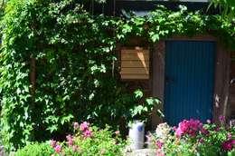 Projekty,  Ogród zaprojektowane przez Fang Interior Design