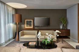Apartamento Vila da Serra II: Salas multimídia modernas por Juliana Goulart Arquitetura e Design de Interiores
