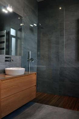 Projekty,  Łazienka zaprojektowane przez INSIDE arquitectura+design