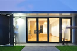 modern Houses by INSIDE arquitectura+design
