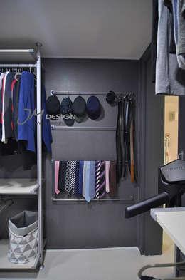 수원 우만동 월드메르디앙아파트 35평인테리어: JMdesign 의  드레스 룸