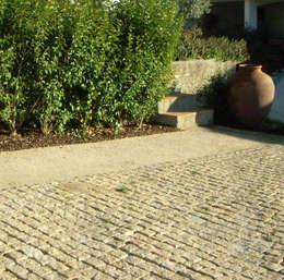 Atelier Jardins do Sul: eklektik tarz tarz Bahçe