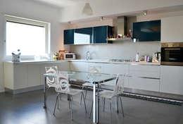 modern Kitchen by tizianavitielloarchitetto