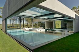 The Wall House: Piscinas minimalistas por guedes cruz arquitectos