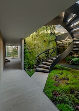 Corredores e halls de entrada  por guedes cruz arquitectos