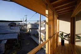 Projekty, azjatyckie Domy zaprojektowane przez 辻健二郎建築設計事務所