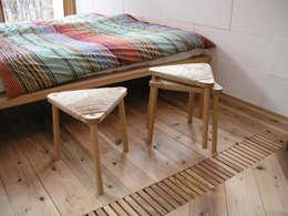 Salon de style de style eclectique par 家具木工 みずき工房
