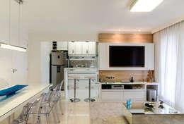 Projeto 70m² Mooca: Salas de jantar modernas por RAFAEL SARDINHA ARQUITETURA E INTERIORES