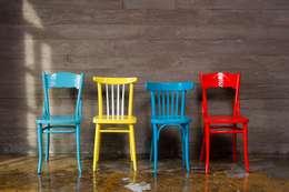Венские стулья Тонет и стулья советской мебельной классики: Гостиная в . Автор – New Retro