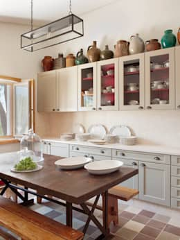 rustic Kitchen by SA&V - SAARANHA&VASCONCELOS