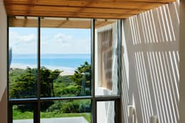 Sandhills Brise Soleil and Views: modern Corridor, hallway & stairs by Barc Architects