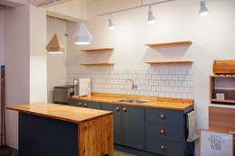 مطبخ تنفيذ 바라다봄 스튜디오