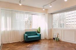 Self Interior_ 스튜디오 : 바라다봄 스튜디오의  거실