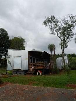 Roga Po. Una casa construida por su propio dueño: Casas de estilo minimalista por ENNE Arquitectura