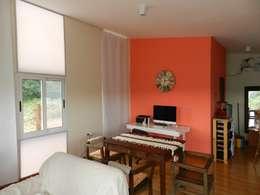 Roga Po. Una casa construida por su propio dueño: Comedores de estilo minimalista por ENNE Arquitectura