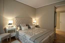 Projekty,  Sypialnia zaprojektowane przez Sube Susaeta Interiorismo