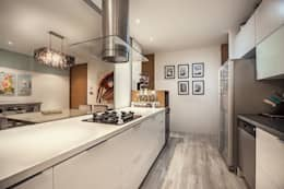 Cocina: Cocina de estilo  por Cristina Cortés Diseño y Decoración
