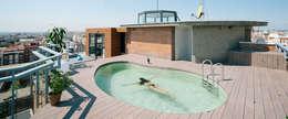 modern Zwembad door ImagenSubliminal