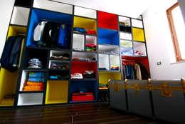 Aalpe Architetti: eklektik tarz tarz Giyinme Odası