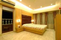 Hiranis: modern Bedroom by Studio Vibes