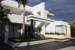 moderne Huizen door Camilo Pulido Arquitectos