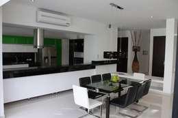 Vista Comedor.: Casas de estilo moderno por Camilo Pulido Arquitectos