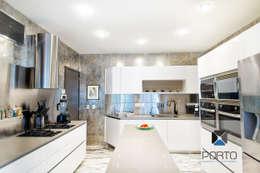 """Segunda parte proyecto """" La Ramona"""". : Cocinas de estilo ecléctico por PORTO Arquitectura + Diseño de Interiores"""