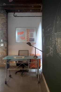 Estudios y oficinas de estilo ecléctico por Carlos Salles Arquitetura e Interiores