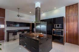 modern Kitchen by P11 ARQUITECTOS