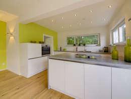 modern Kitchen by Licht-Design Skapetze GmbH & Co. KG