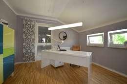 Phòng học/Văn phòng by Licht-Design Skapetze GmbH & Co. KG