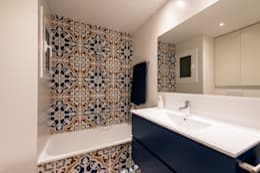 Baños de estilo moderno por Standal