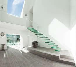 modern Corridor, hallway & stairs by Martin Gardner Photography
