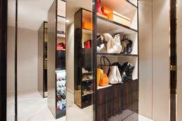 Piso en el Viso (Madrid): Vestidores de estilo moderno de IN DESIGN Studio