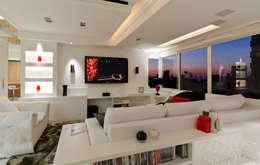 Estar - O Requinte do Branco - HB ARQUITETOS: Salas de estar modernas por HB Arquitetos Associados