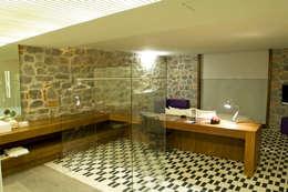 modern Bathroom by Serrano Monjaraz Arquitectos
