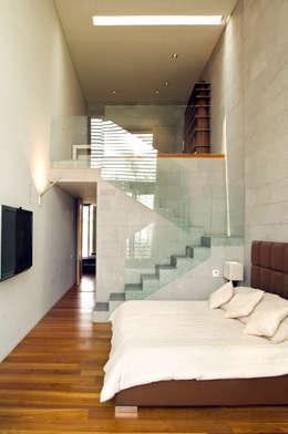 Salas / recibidores de estilo moderno por Serrano Monjaraz Arquitectos