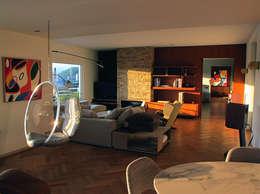 Private Flat, Liege: Salon de style de style Moderne par Axia