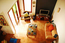 Salas / recibidores de estilo ecléctico por Mônica Mellone Arquitetura
