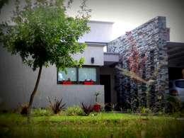 Projekty, nowoczesne Domy zaprojektowane przez VYC Arquitectura