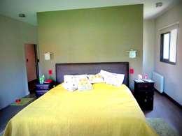 Projekty,  Sypialnia zaprojektowane przez VYC Arquitectura