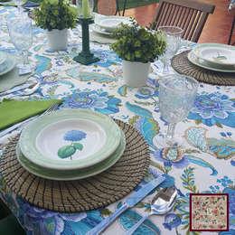 classic Dining room by Home by TPD 'El Arte de Recibir en Casa'