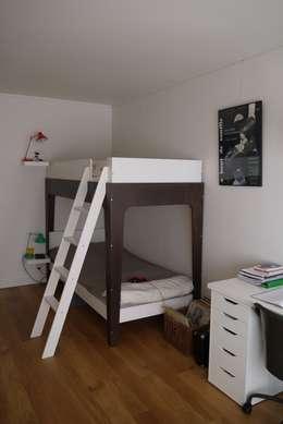 Hollywood - Paris11e: Chambre d'enfant de style de style Moderne par Agence Laurent Cayron