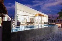 CASA MRE: Albercas de estilo moderno por Imativa Arquitectos