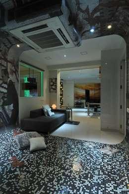 modern Media room by Mybeautifulife
