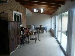 Terrasse de style  par Grupo Walls bienes raices
